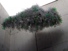 Cúmulo envases de plástico PET, cuerda de algodón, estructura de acero.  350cm x 200cm x 150cm.   MUAC  Museo Universitario de Arte Contemporáneo, Ciudad de México, 2010