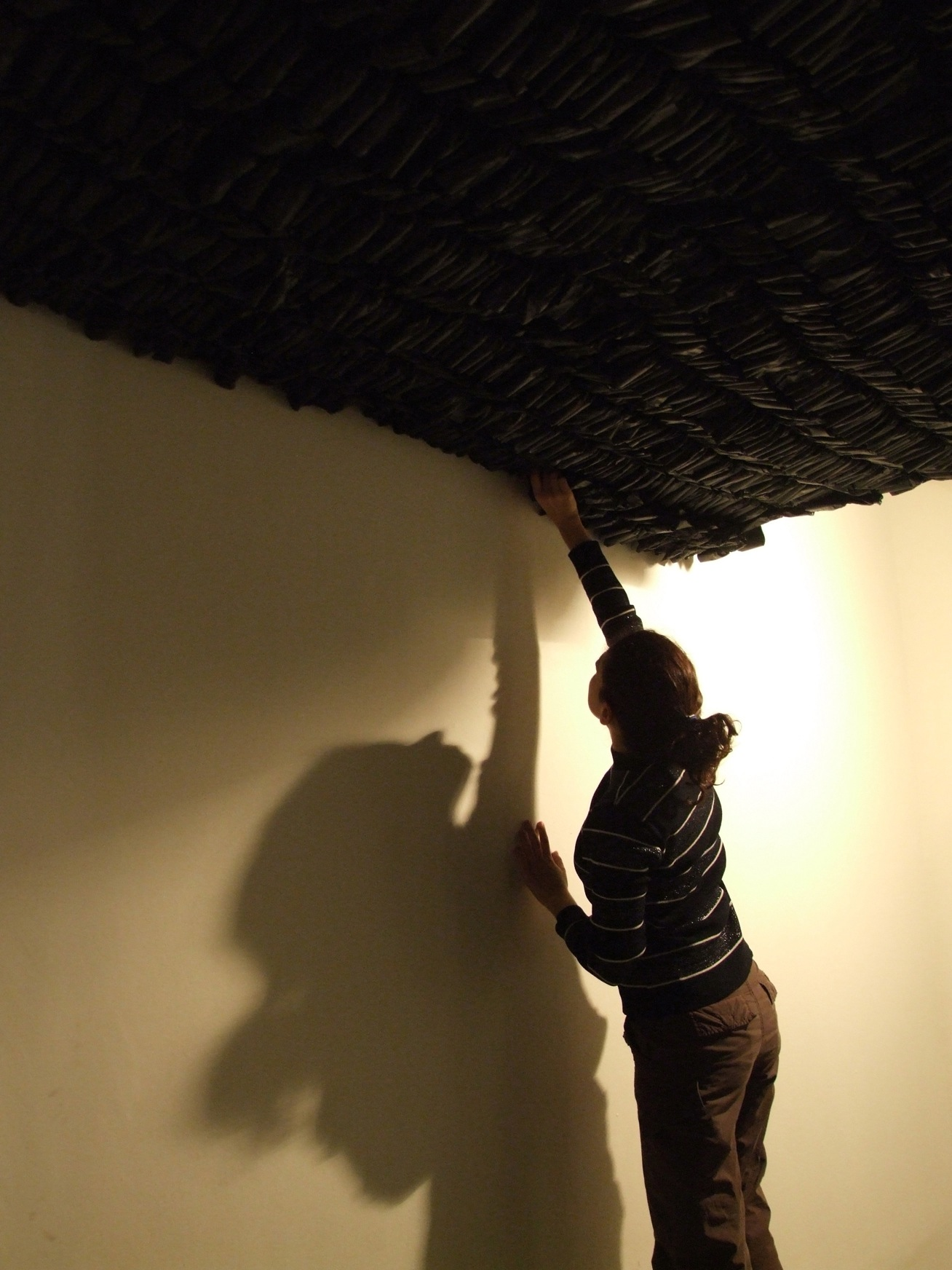 - 15-Oscuro-Suspendido_-detalle_-Balmaceda-Arte-Joven