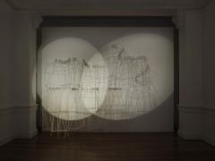 El sonido del árbol caído - Claudia Fontes - Montaña (El momento del derrumbe revela puntos claves de la construcción), 2009-2011