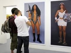 Serie Mujeres armadas, (Armed Women)