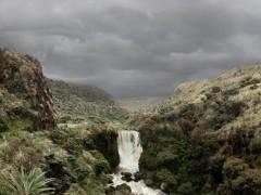 Cascada del río Bedón en la ruta de Popayán a La Plata