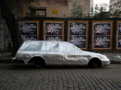 Ford Sierra Rural cubierto con membrana asfáltica aluminizada.