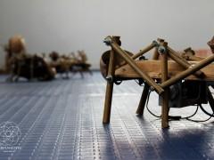 Symbiosis- Juan Melo- Vida No Orgánica- Robots en  madera 2015